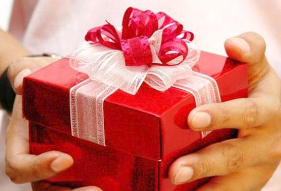 Что подарить знакомому мужчине на День рождения