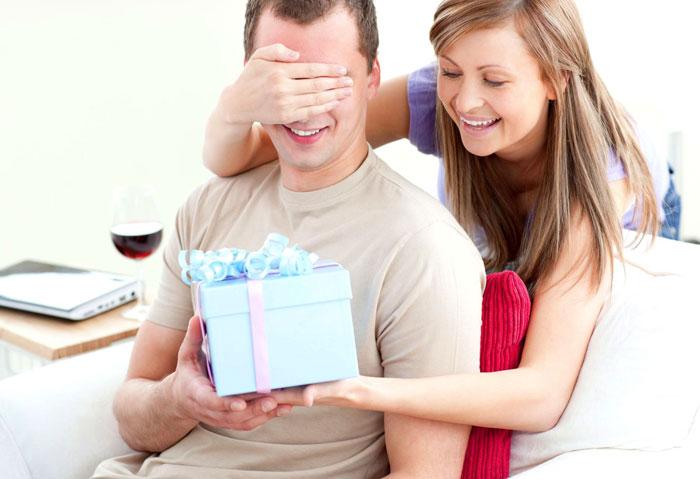 Что лучше подарить мужчине на день рождения?