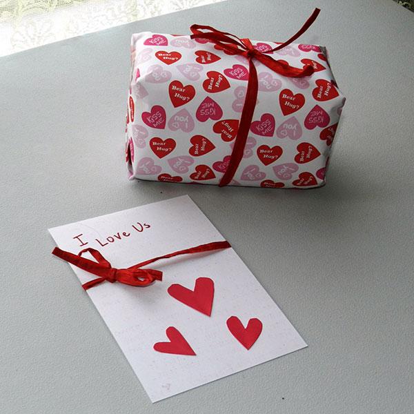 20c353d0b0f2 Что подарить девушке на 21-22 года - список интересных подарков