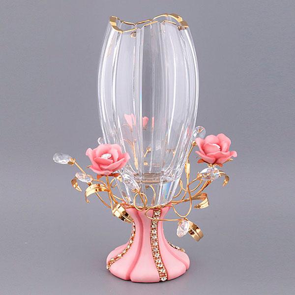 Интерьерное украшение: ваза