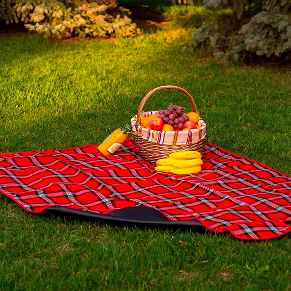 Плед для пикника, изготовленный из натурального материала