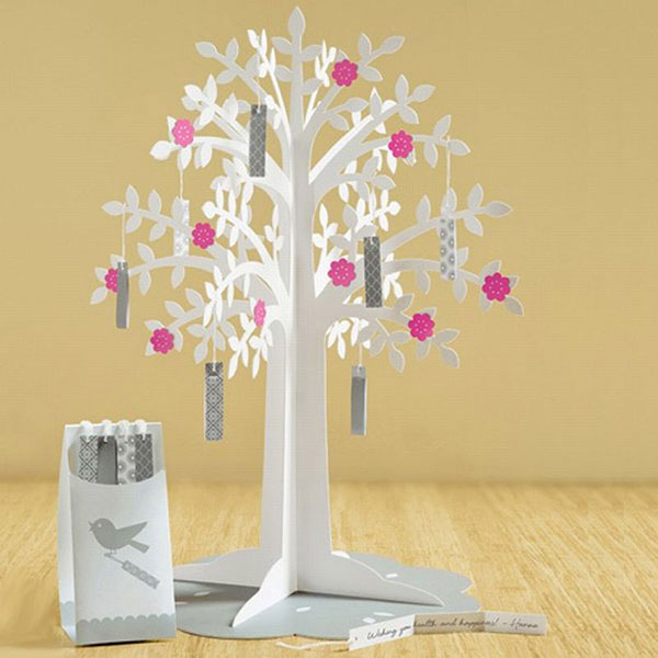Необычное дерево из бумаги