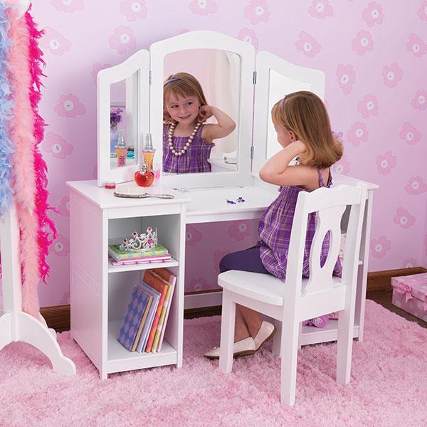 Туалетный столик для детей