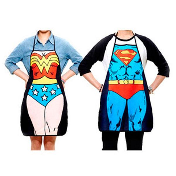 Комплект кухонных фартуков с изображением супермена и супервумен