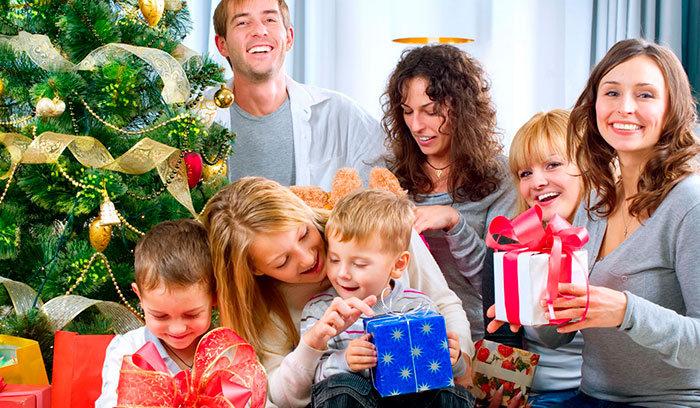 Подарок семье на Новый год 2021