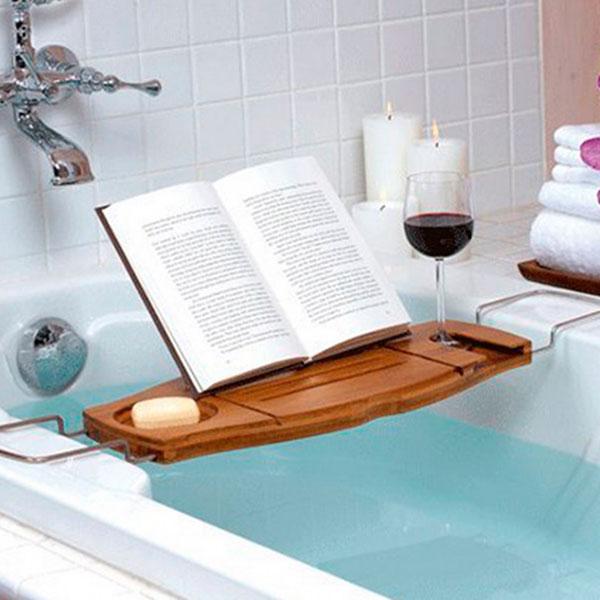 Удобный столик-подставка для чтения прямо в ванной