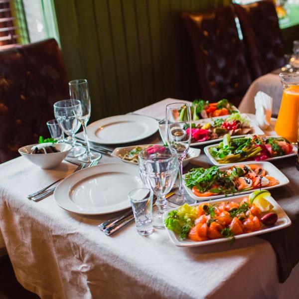 Праздничный ужин в элитном ресторане