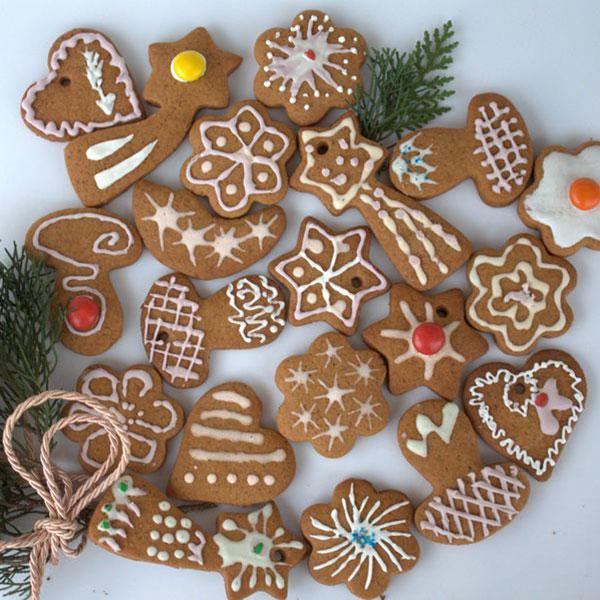 Набор съедобных елочных украшений в виде имбирного печенья