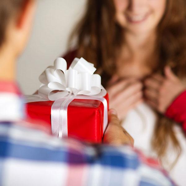При покупке подарка на День рождения важно учитывать хобби