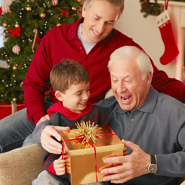 Позовите родителей отпраздновать новый год у себя дома