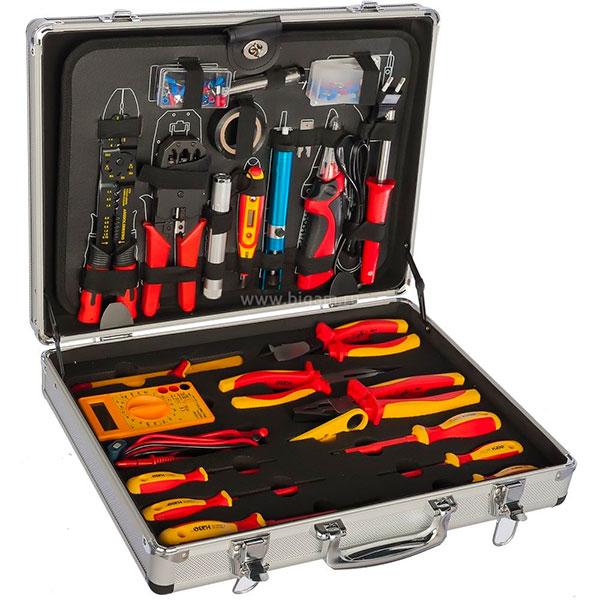 Набор различных нужных инструментов