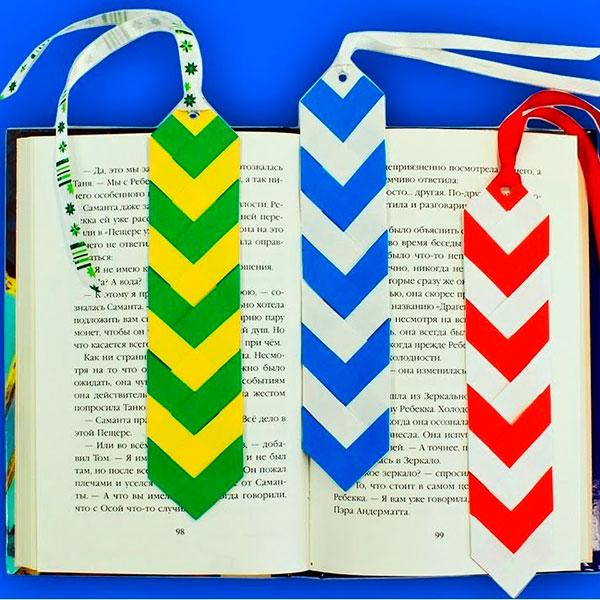 Книжная закладка в виде галстука