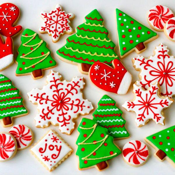 Домашнее печенье в виде ёлочек