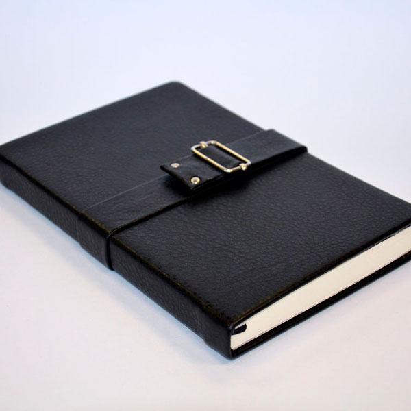 Стильный ежедневник в кожаной, металлической или деревянной обложке