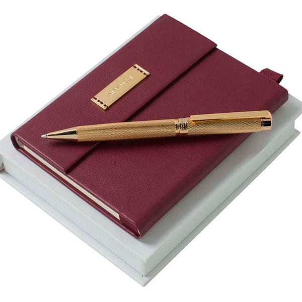 Кожаный блокнот, ручка с пером, ежедневник