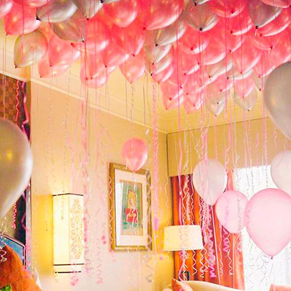 Комната, наполненная воздушными шариками