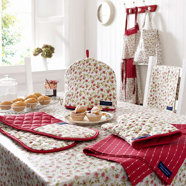 Кухонный набор с прихватками и салфетками