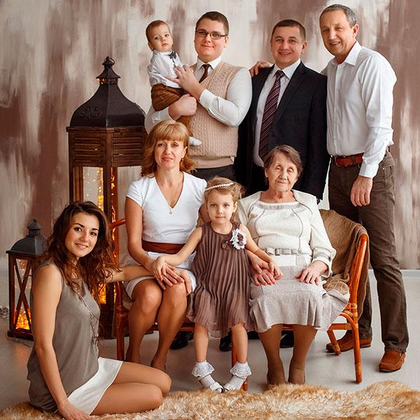 Семейная фотосессия с профессиональным фотографом