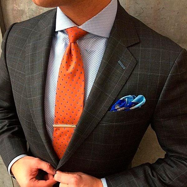 Дорогое украшение для галстука либо рубашки