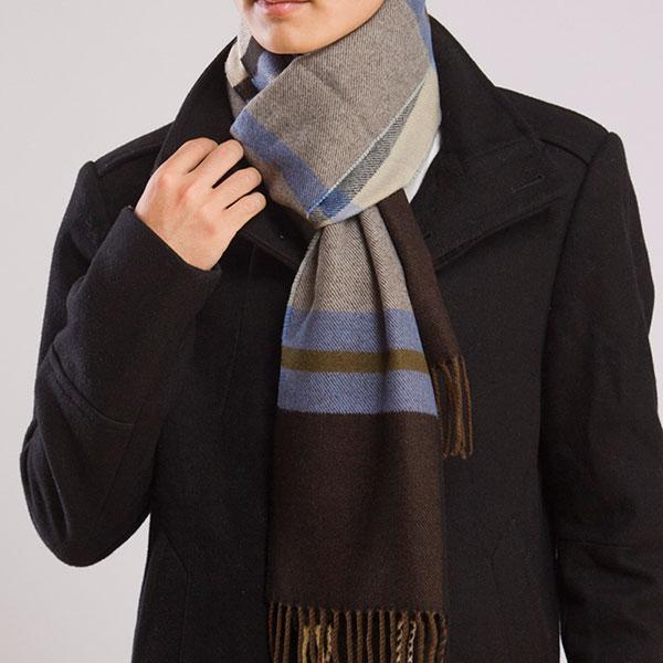 Теплый строгий мужской шарф