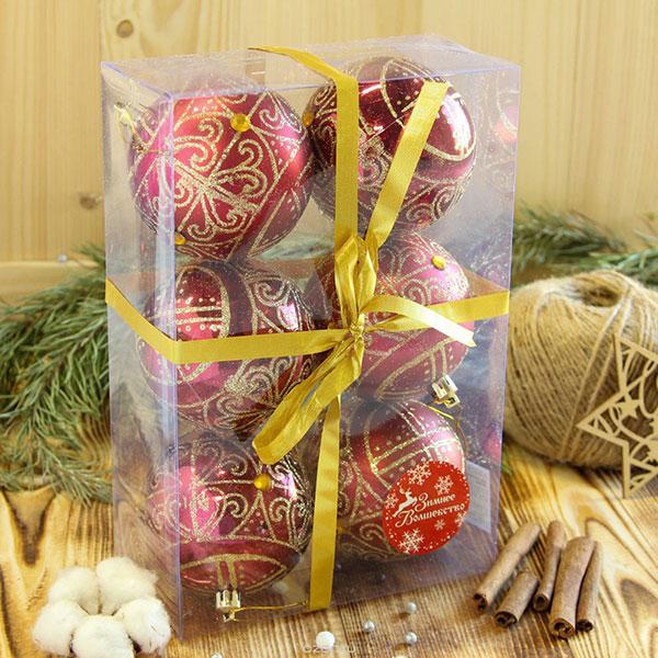 Набор елочных украшений в праздничной упаковке