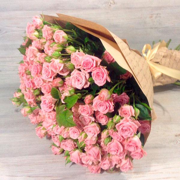Охапка изумительных цветов с роскошным ароматом