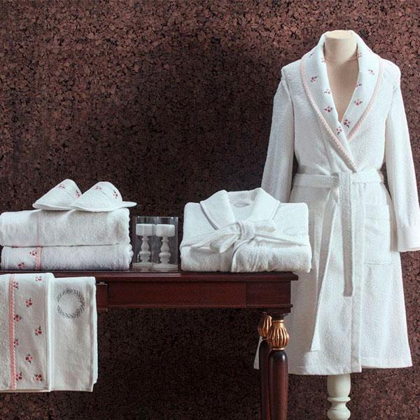 Набор банных полотенец и халат