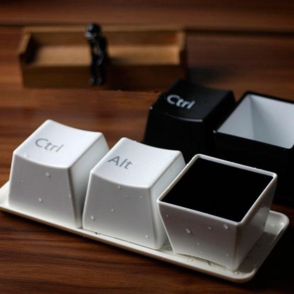 Пиалы в форме кнопок от клавиатуры