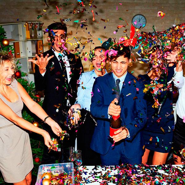 Новогодняя вечеринка в офисе