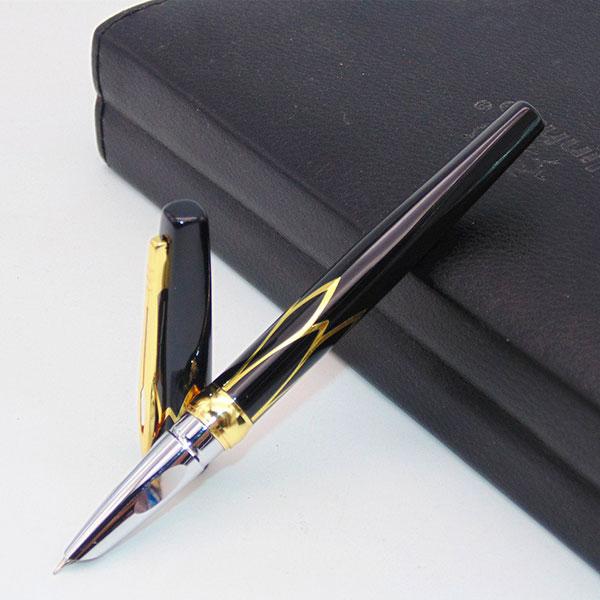 Элегантная перьевая ручка от известного профильного бренда