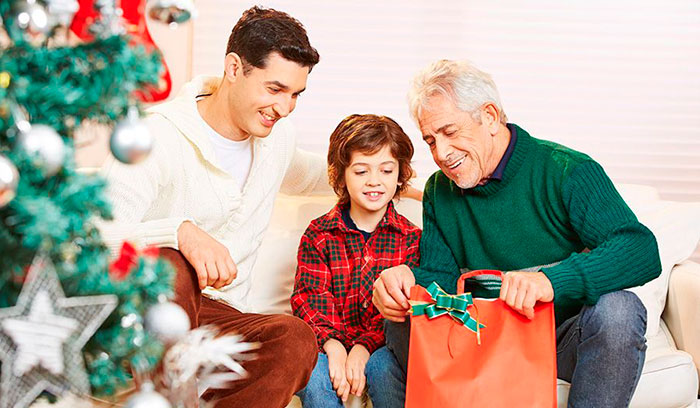 Подарки внукам на Новый год 2021