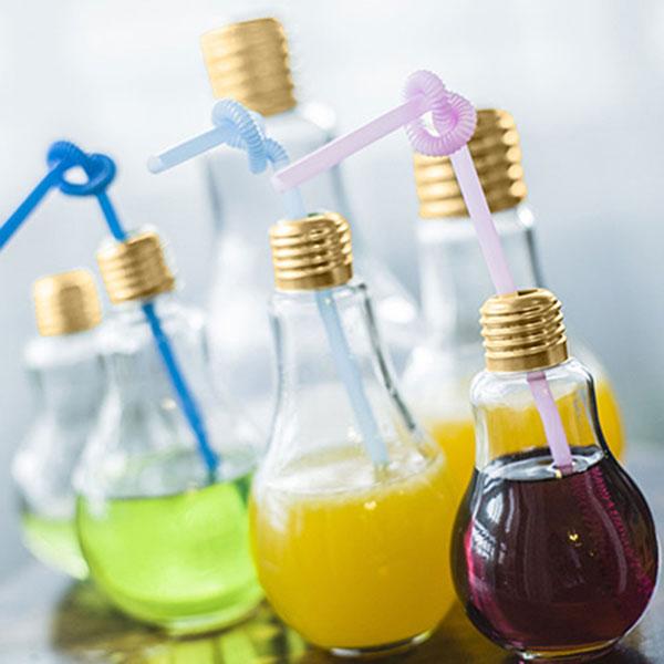 Забавная емкость для хранения смузи и любимых напитков, имеющая вид лампочки