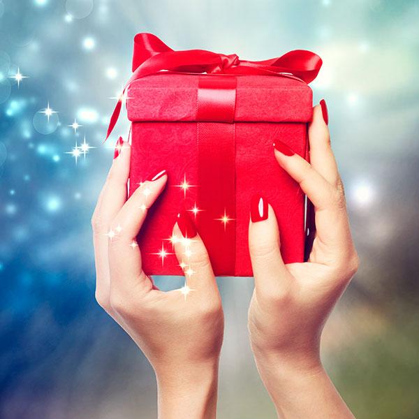 Как выбрать подарок девушке