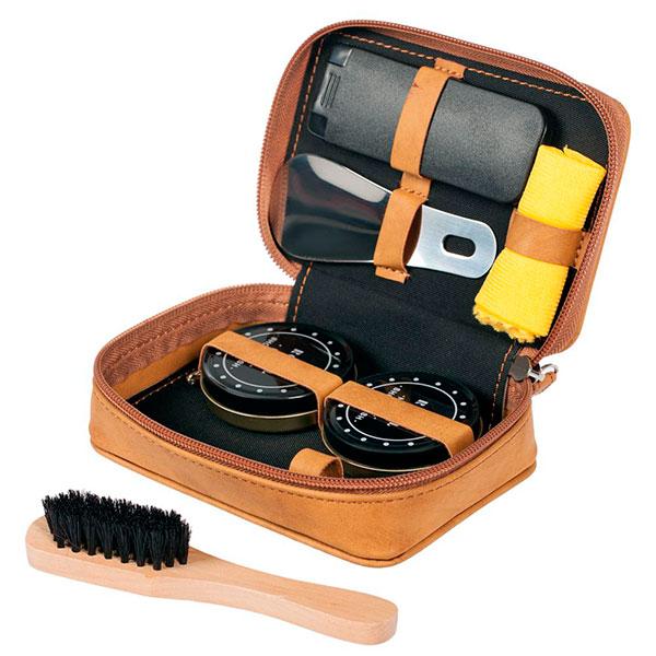 Специальный удобный набор для чистки обуви