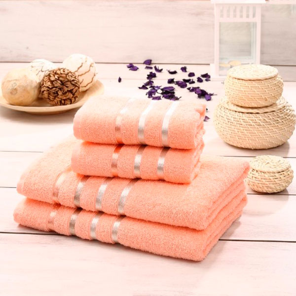 Пушистые красивые полотенца