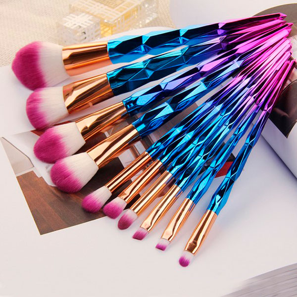 Набор кистей для макияжа с необычными ручками
