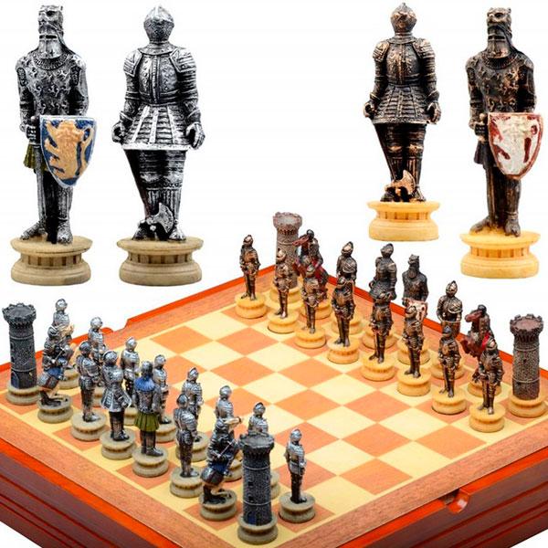 Набор шахмат в необычном дизайнерском исполнении