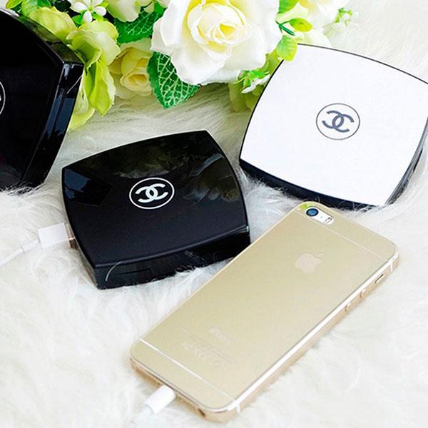 Портативное зарядное устройство в виде пудреницы Chanel