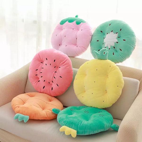 Массажная диванная подушечка необычной формы