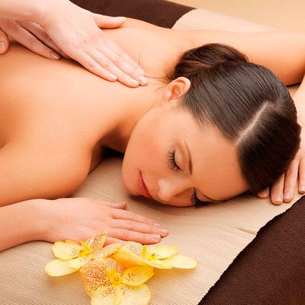 Сеанс тайского массажа для вас двоих в современном СПА-салоне