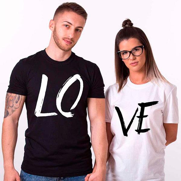 Две футболки (для парня и вас)