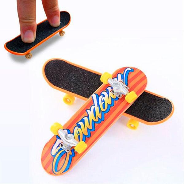 Специальный скейт для пальцев