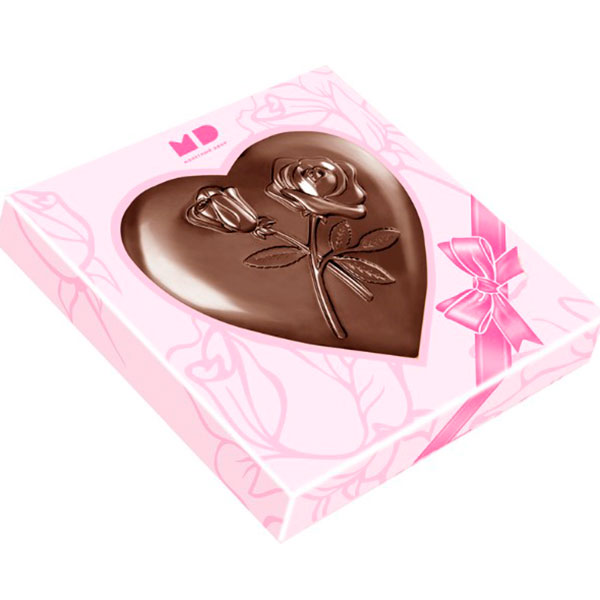 Шоколадная фигурка в форме сердца
