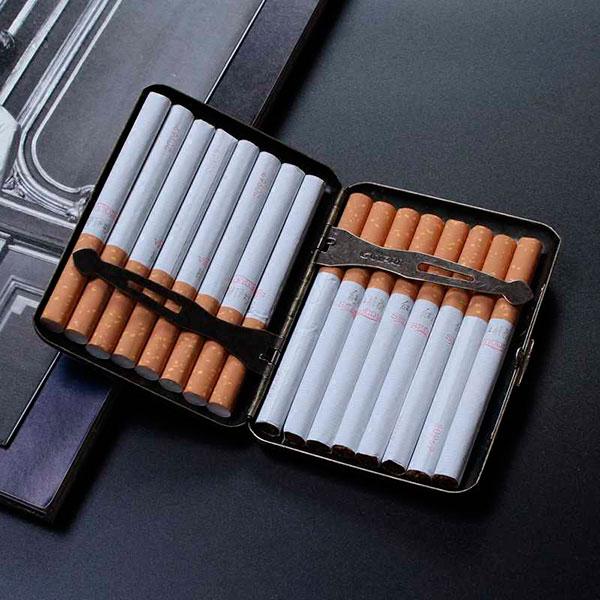 Отличные сигары и в комплекте к ним портсигар