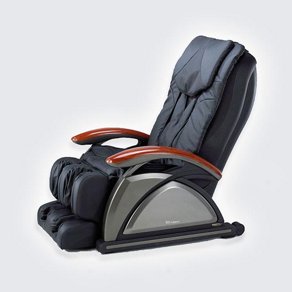 Кресло-массажер с несколькими видами массажа