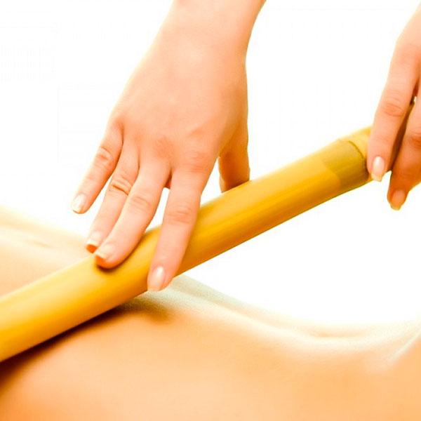 Необычный массаж бамбуковыми вениками