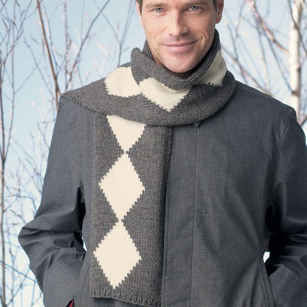 Собственноручно связанный теплый шарф