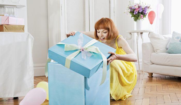 70 оригинальных подарков девушке на 8 марта
