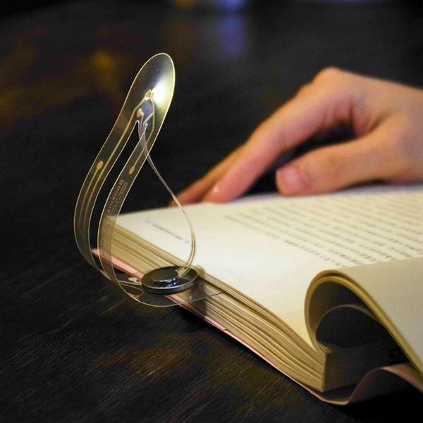 Светящаяся закладка для книг
